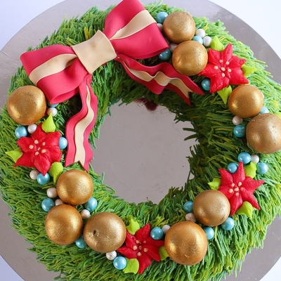 Christmas Wreath Cake Tutorial on Cake Central