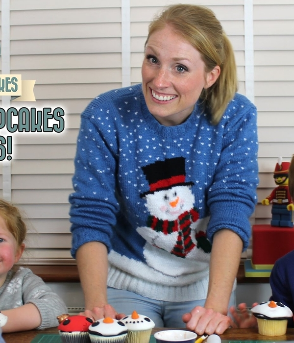 Christmas Cupcakes: Decorating with Kids