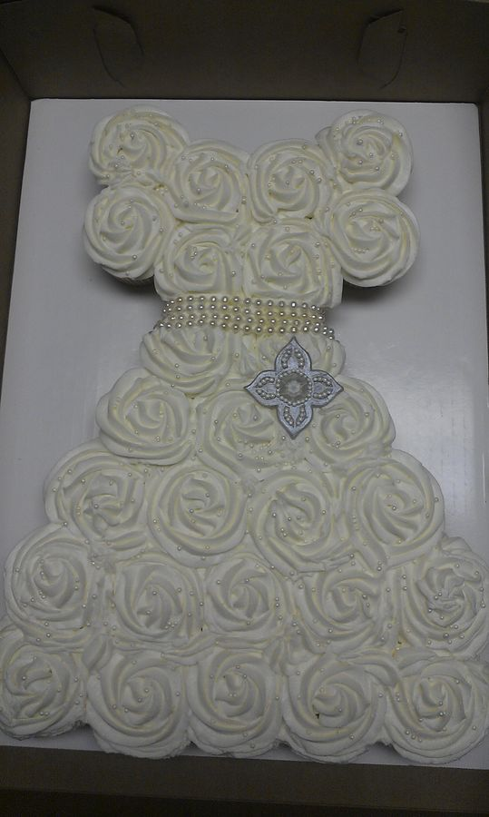Cupcakes Shaped Like A Wedding Dresshow Big Of A Board For 28 Cupcakes
