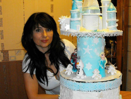 Cake Decorator AniDivna on Cake Central