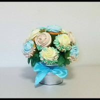 Cake Decorator OhNanaCupcakeBouquets
