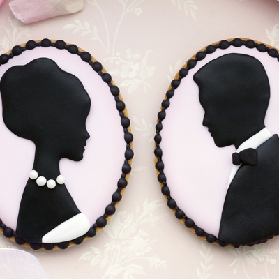 Sweetopia's Silhouette Cameo Wedding Cookie Tutorial on Cake Central