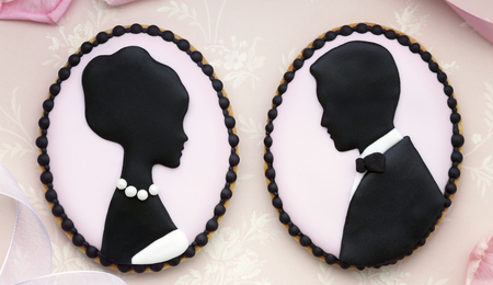 Sweetopia's Silhouette Cameo Wedding Cookie Tutorial