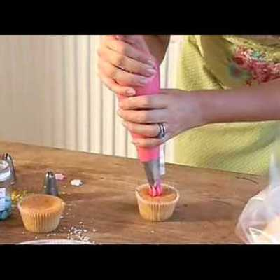 How To Pipe a Rosette on a Cupcake on Cake Central
