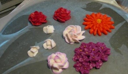 Royal Icing Flowers Tutorial: How to make Hydrangeas, Gerber Daisies