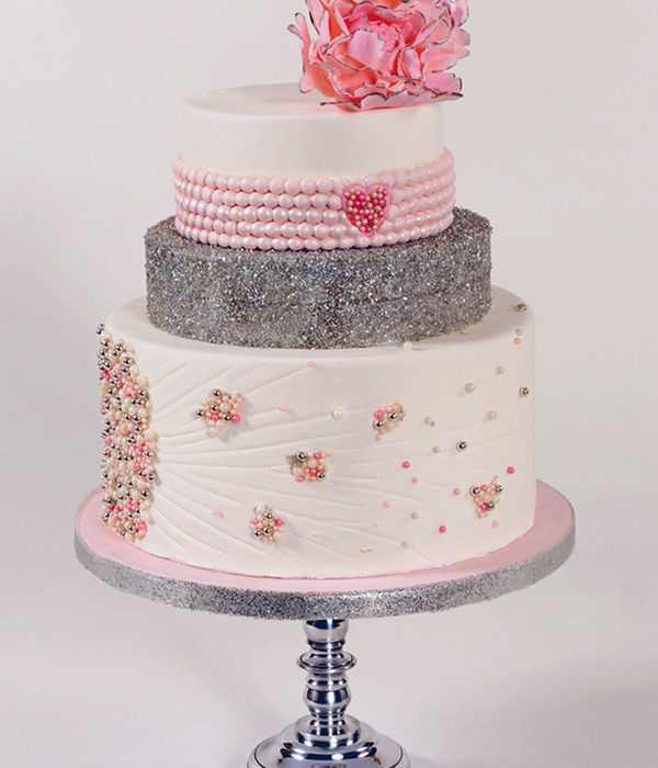 From Sketch to Cake: Pink and Pearls
