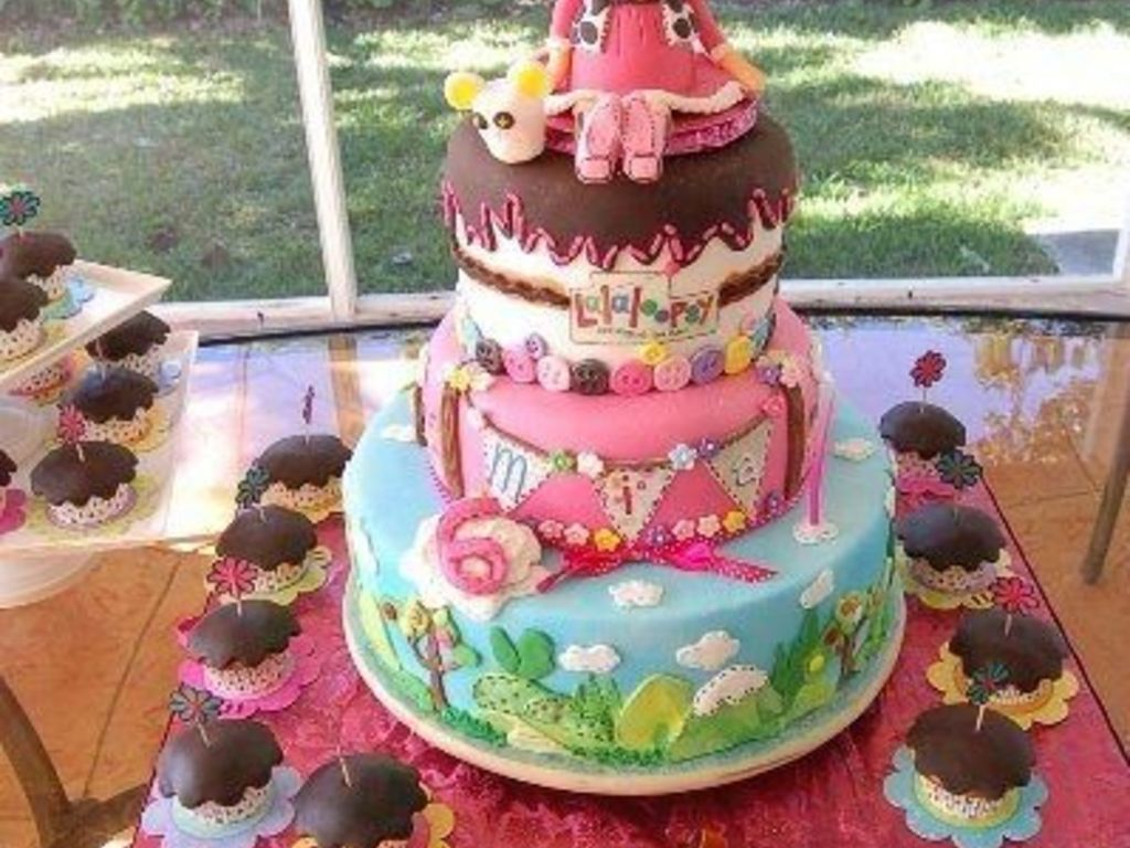 Lalaloopsy Cakes, Cookies and Cake-Pops - CakeCentral.com