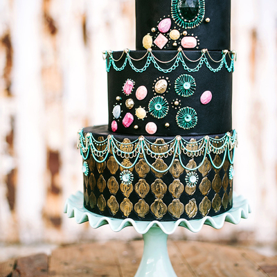 From Sketch to Cake: Jennifer Bratko's Cover Cake on Cake Central