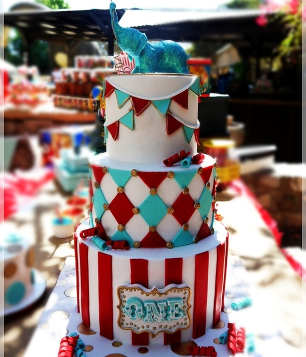 Top 9 Circus & Zoo Themed Cakes