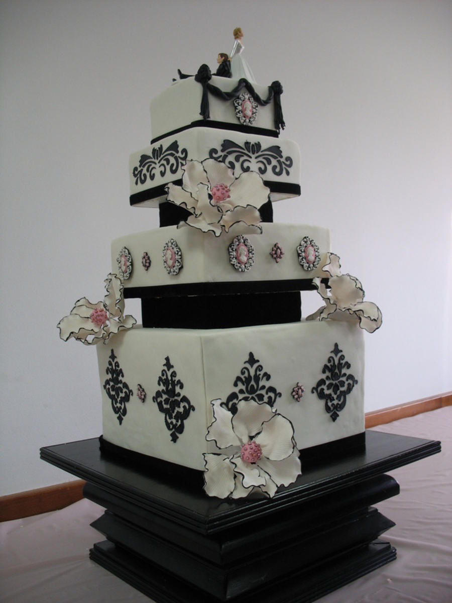wedding cake dividers top pink and black edgy cakes cakecentral 8633