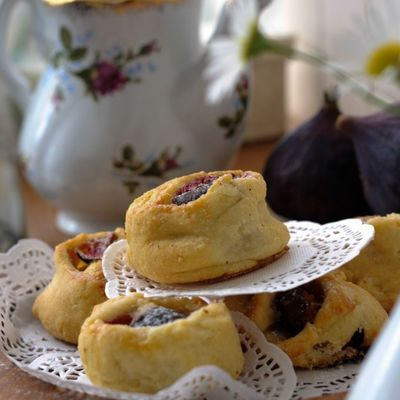 Recipe for Cardamom Fig Pastries on Cake Central