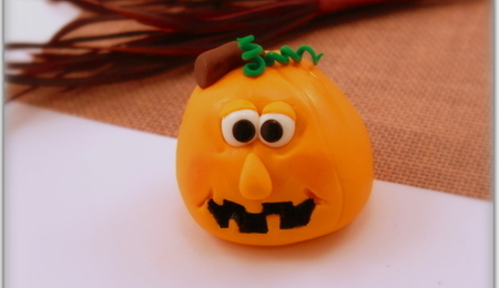 How to Make Fondant Jack-O'-Lantern Toppers