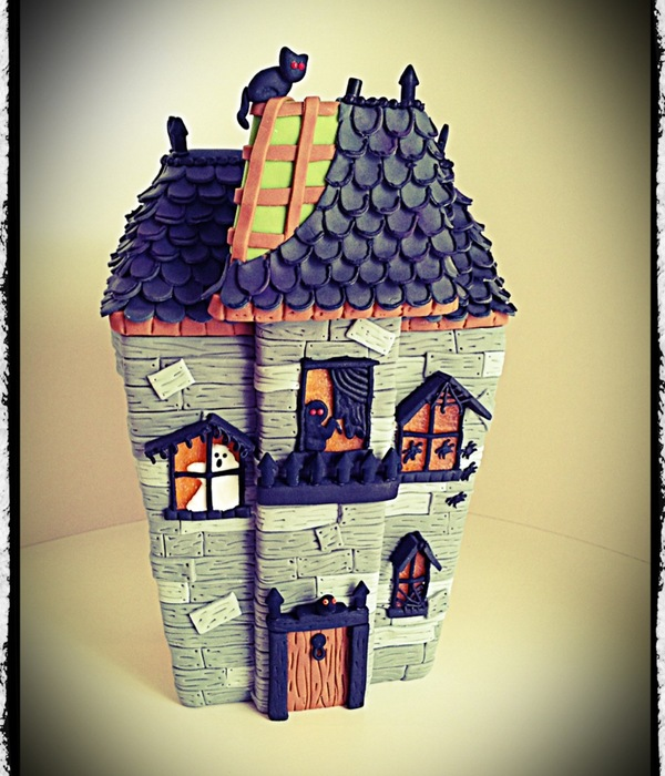 Spooky Gingerbread Mansion Tutorial