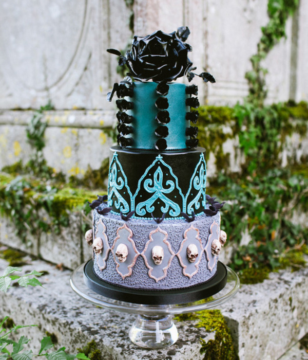 Sketch to Cake: Natasha Shomali's Gothic Wedding Cake...