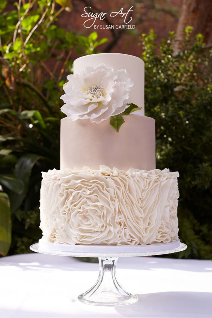 ruffled wedding cake cakes with ruffles cakecentral 19457