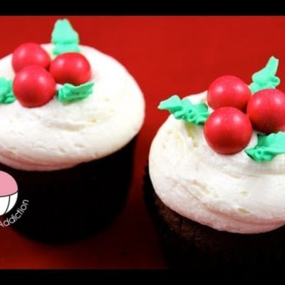 Holly Cupcake Tutorial on Cake Central
