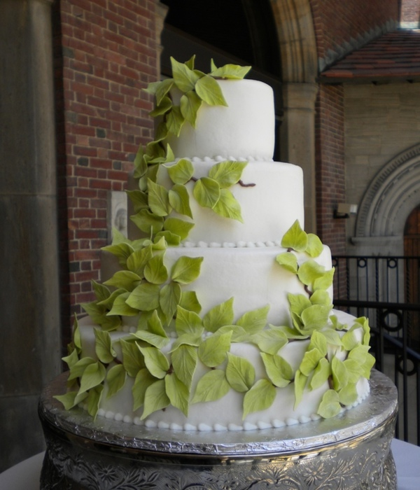 Top Vines & Leaves Cakes