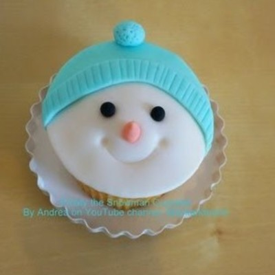 Frosty the Snowman Christmas Cupcake Tutorial on Cake Central