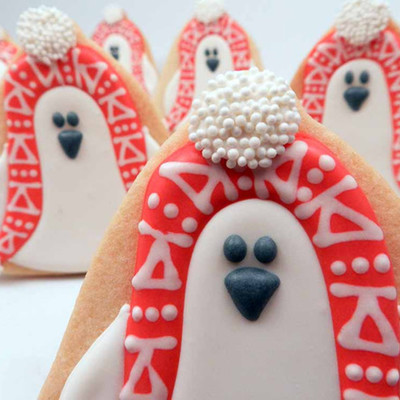 Cozy Penguin Cookie Tutorial on Cake Central
