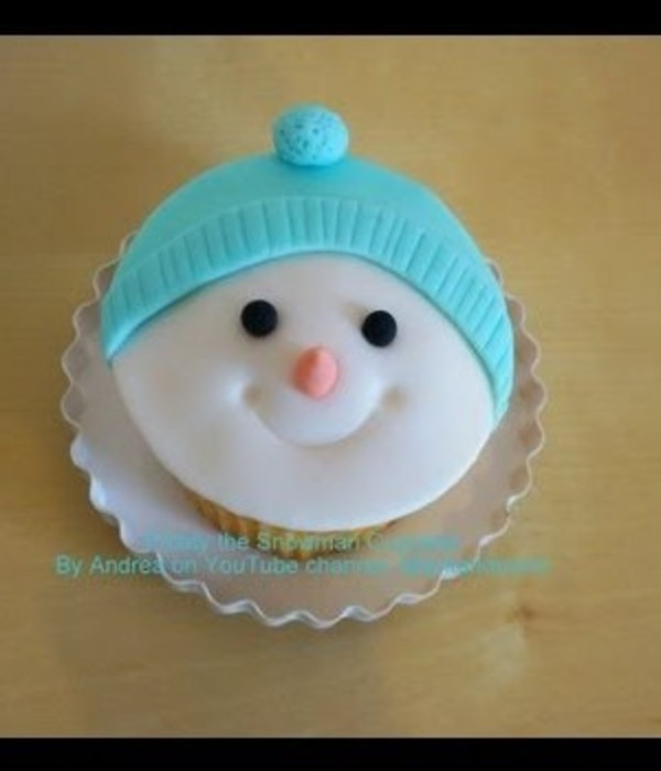 Frosty the Snowman Christmas Cupcake Tutorial