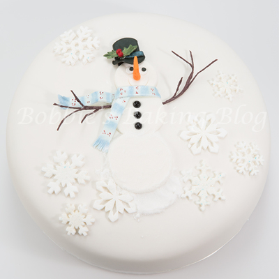 Bobbie Noto's Snowman Cake Tutorial on Cake Central