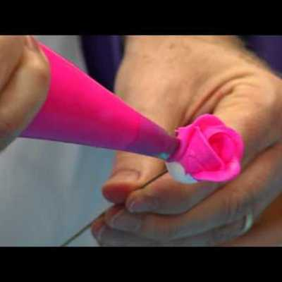 How to Make A Buttercream Rose on Cake Central