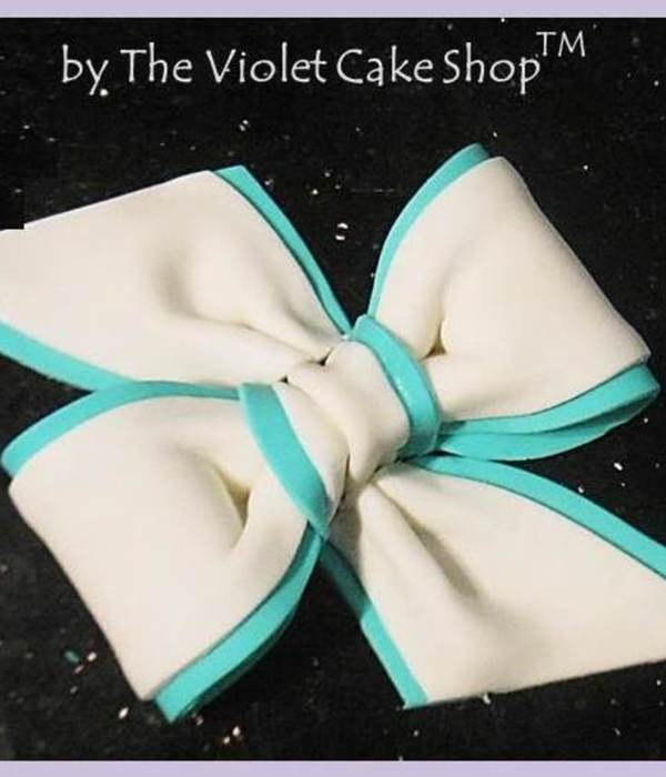 How to Make a Two-Toned Bow