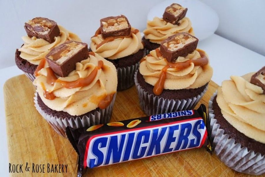 Cake Decorating Central Recipes : Snickers Cupcakes - CakeCentral.com
