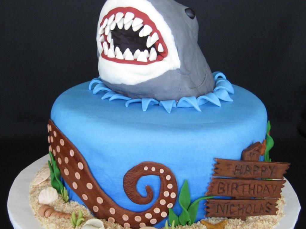 Top Shark Cakes - CakeCentral.com