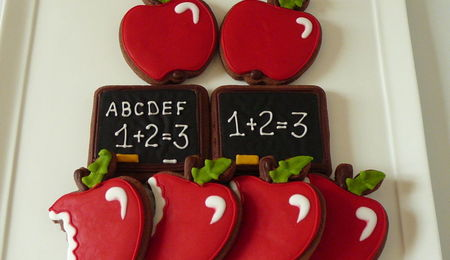 Top Back to School Cakes