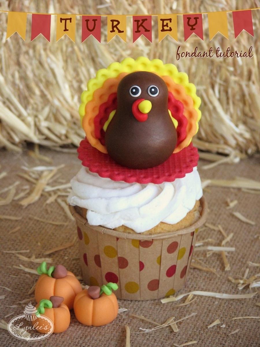 Gobble Up This Sweet Turkey Fondant Topper Tutorial ...