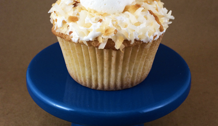 Trip to Paradise: Toasted Coconut Cupcakes With Vanilla Frosting