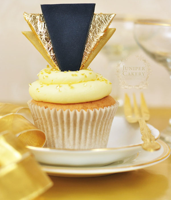 Celebrate in Style: How to Make Gold Art Deco Cupcake...