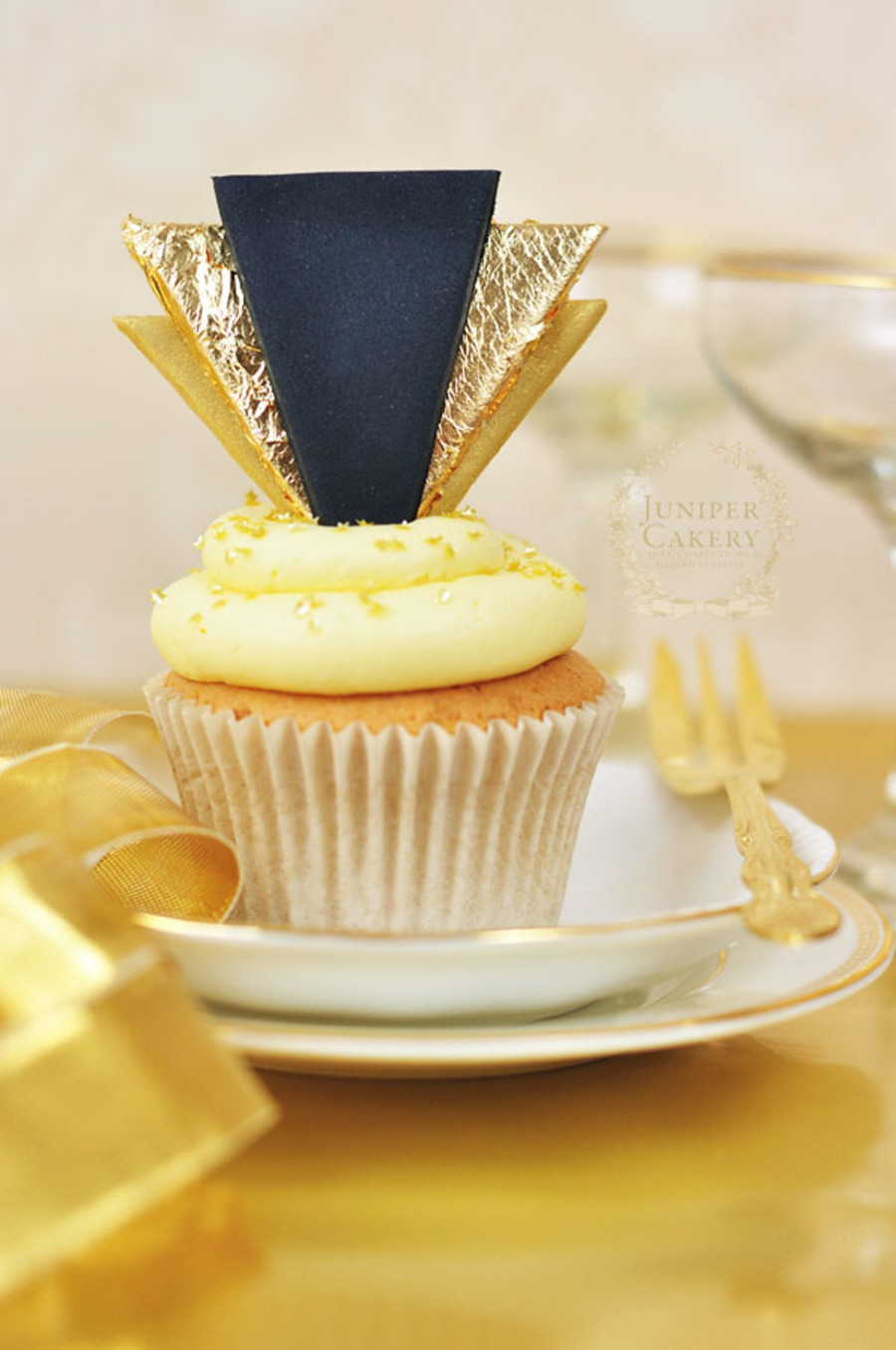 Celebrate In Style How To Make Gold Art Deco Cupcake