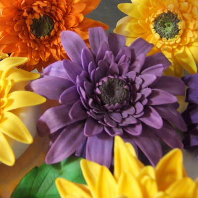 Gerbera Daisy Tutorial on Cake Central