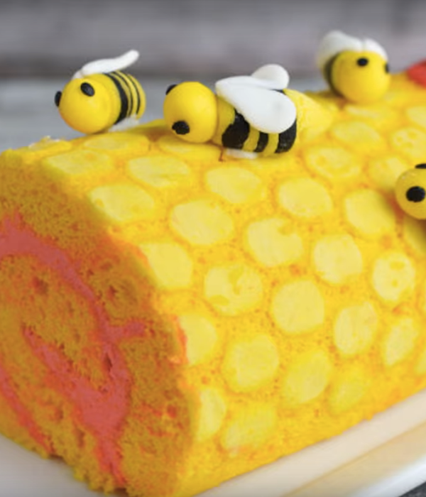 Honeycomb and Bee Roll Cake