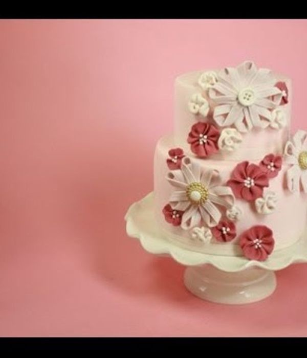 Sugar Ribbon Flower Cake