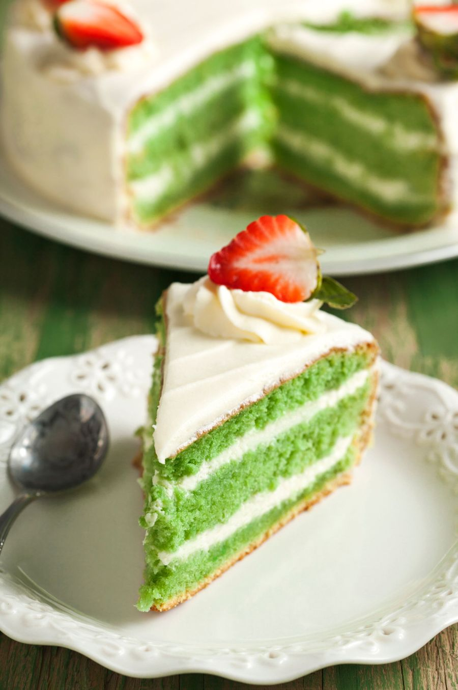 Green Velvet Cake And Cream Cheese Frosting Cakecentral Com