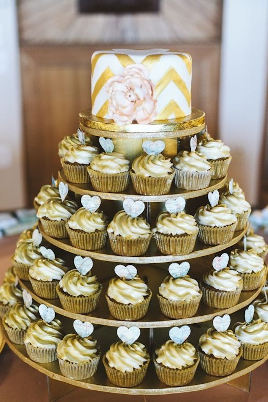 cupcake wedding cakes nashville tn how much luster dust for 150 cupcakes cakecentral 13179