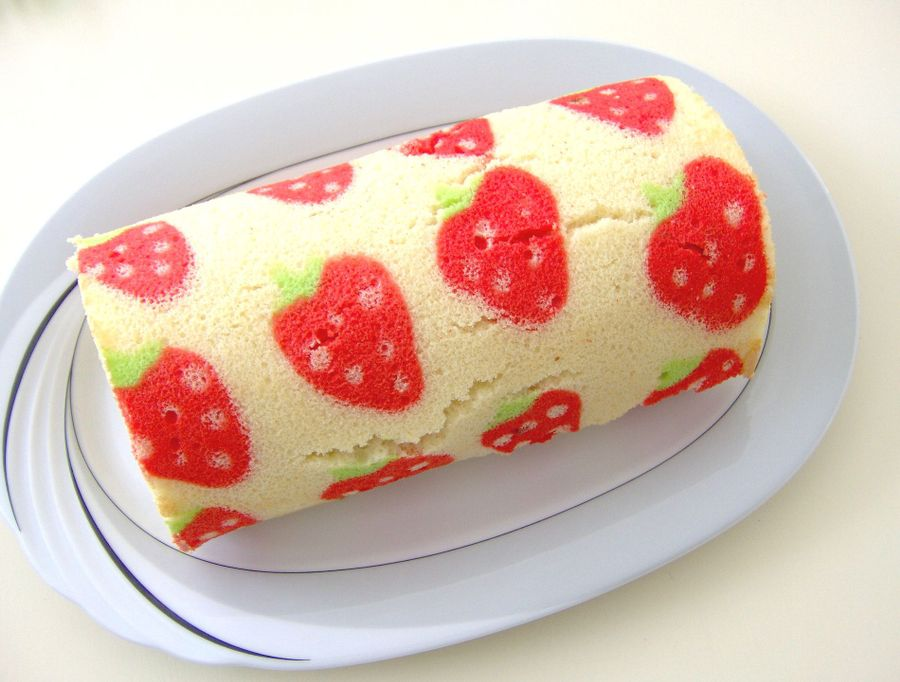 Roll Cake Design Recipe : How to Make a Decorated Swiss Roll Cake - CakeCentral.com