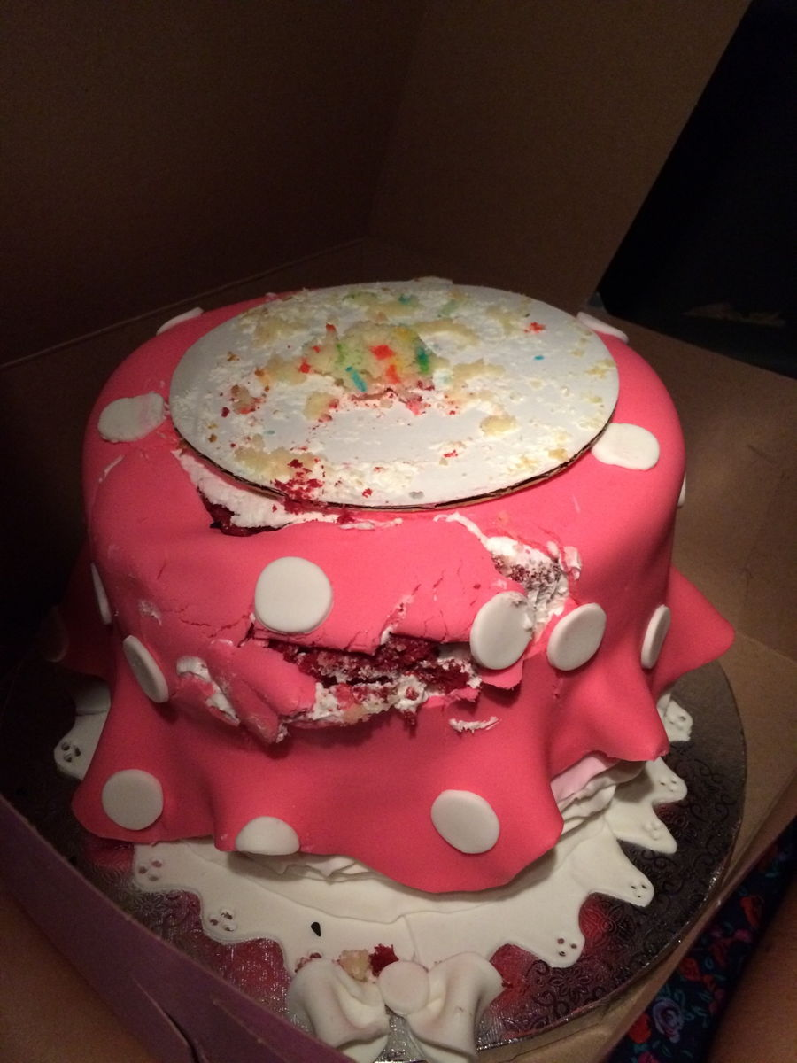 900_cake-disaster-just-want_9578625752725d0e566.jpg