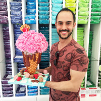 Cake Decorator Michael Almeida