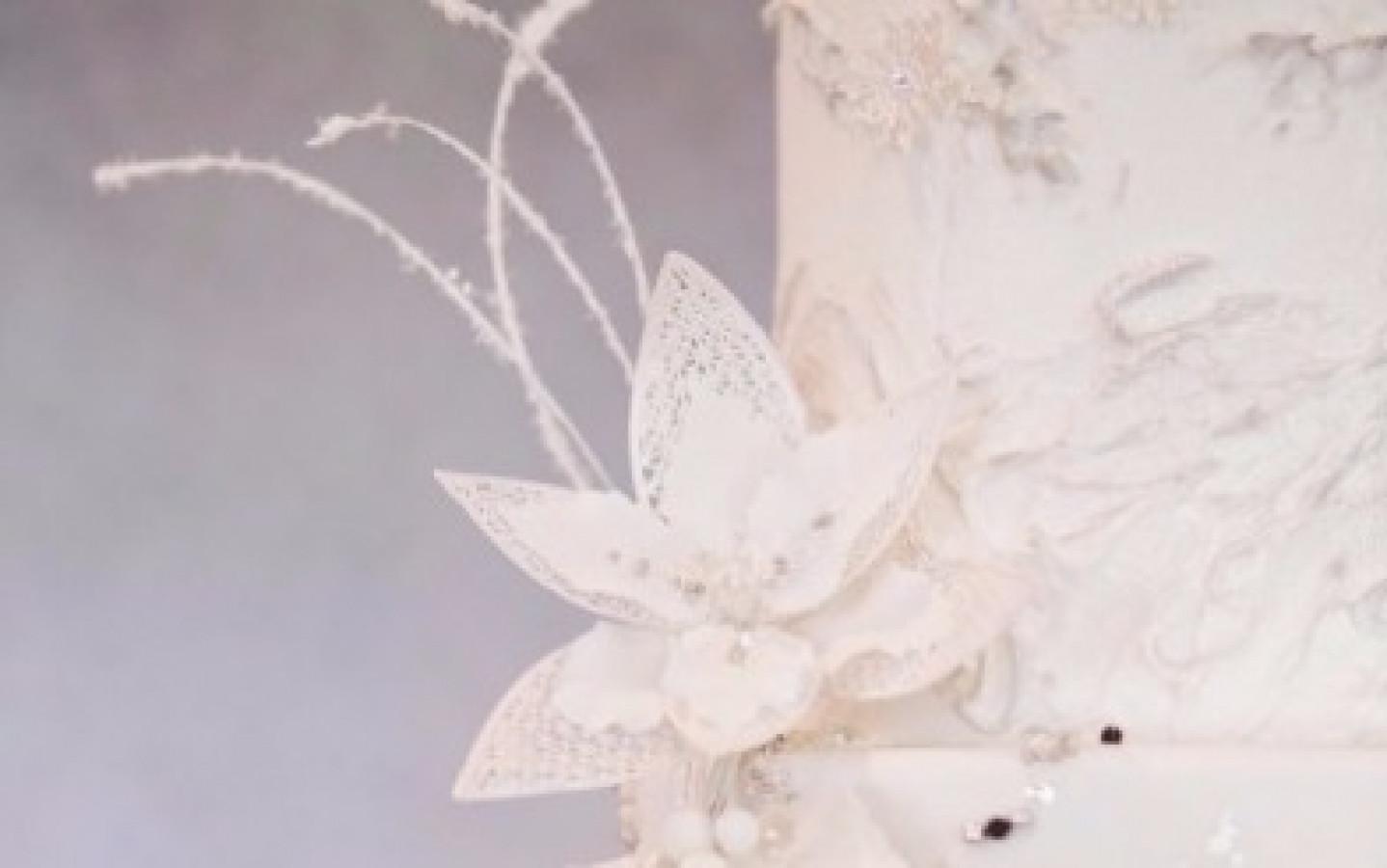 Sketch to Cake: Janelle Adams White Christmas Wedding Cake ...
