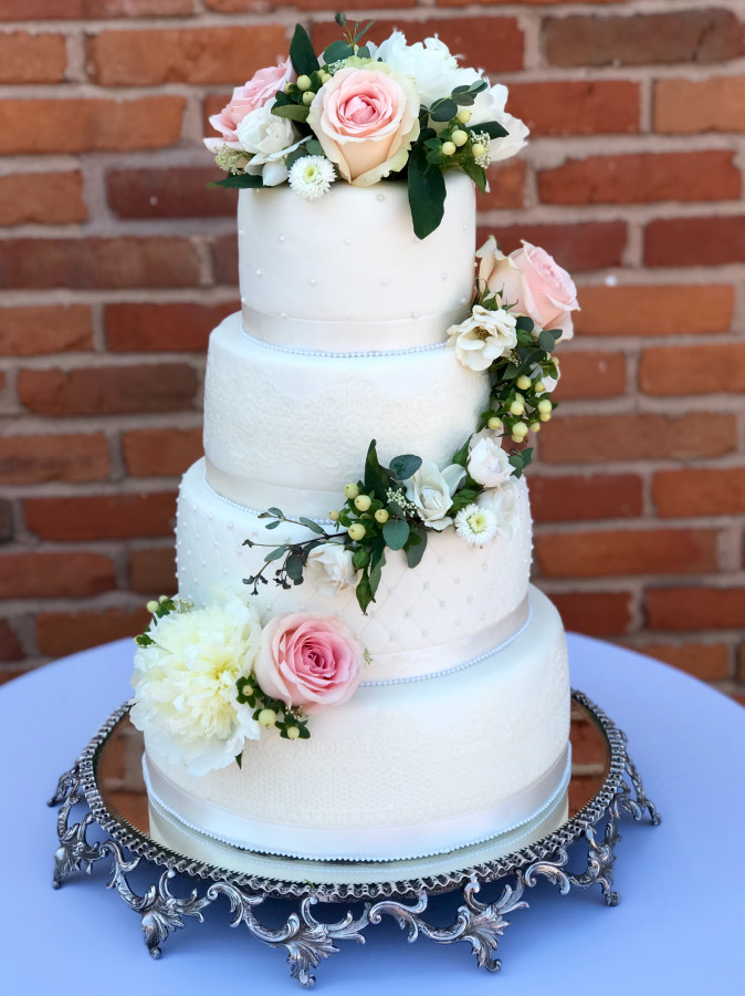 how much does a 3 tier wedding cake cost how much to charge for a 4 tier fondant wedding cake 15443