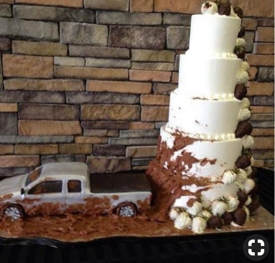Stump/truck Cake