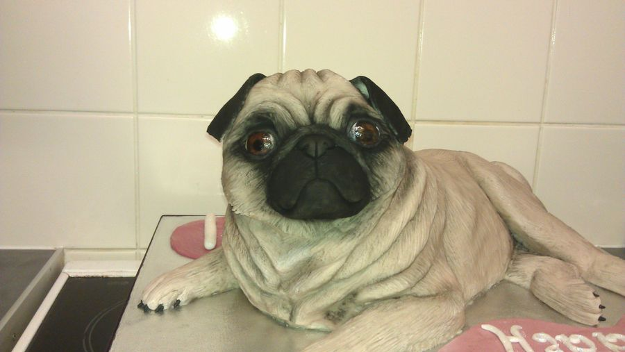 Pug Dog Cake Images : Friday Faves: Cupcakes, Gingerbread and a Pug ...
