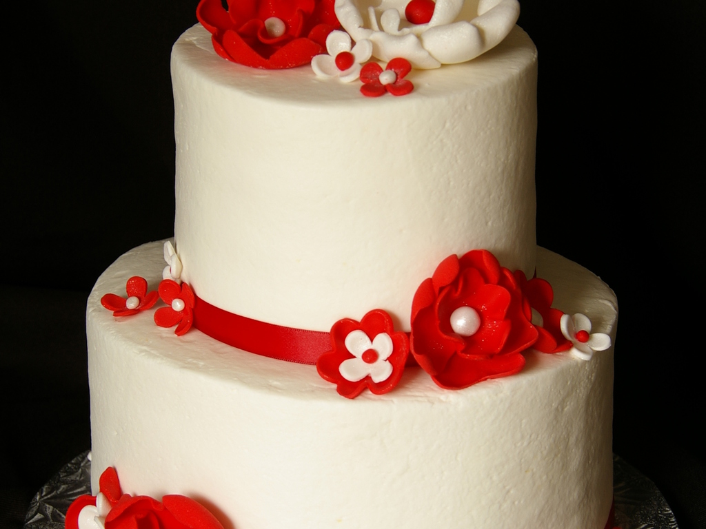 Red & White 30Th Fantasy Flowers - CakeCentral.com