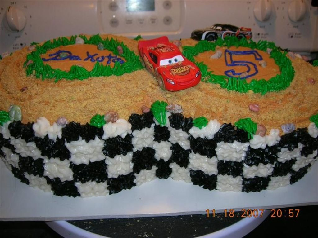 Cars Dirt Track Racing Lightening Mcqueen Cakecentral Com