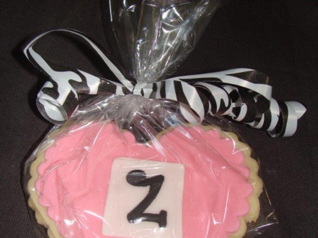Zoey\'s Cookies - CakeCentral.com