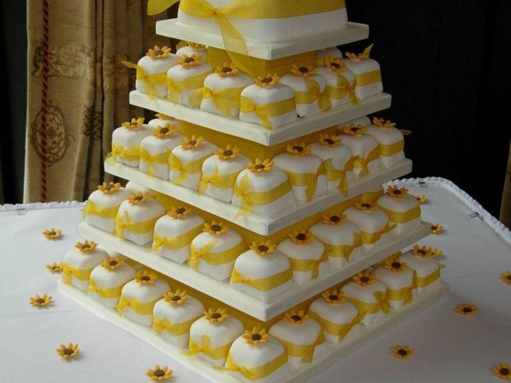 Sunflower Parcel Cakes - CakeCentral.com
